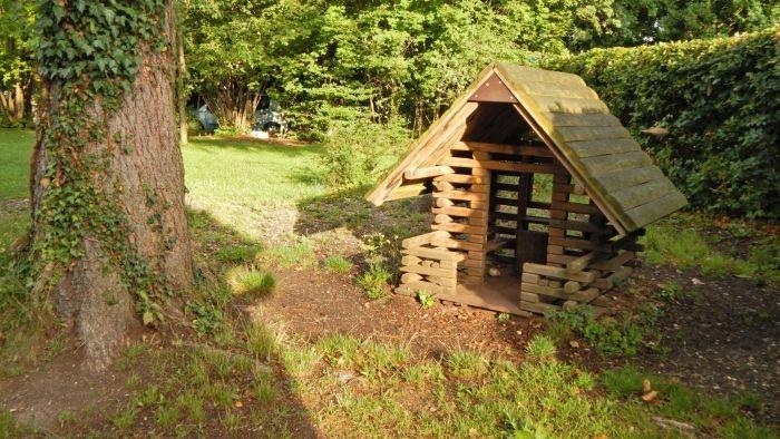 Spielhütte im Bootsgarten